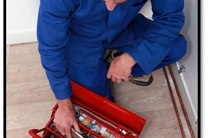 an appliance repair expert with his tools, Read this if You Are Looking for Kitchen Appliance Repair Service